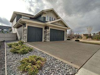Photo 2: 2554 Cameron Ravine Landing in Edmonton: Zone 20 House for sale : MLS®# E4155621