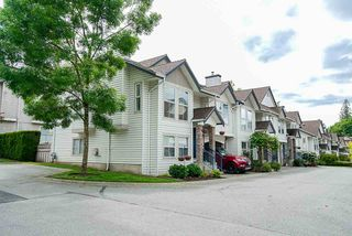 "Photo 2: 48 8716 WALNUT GROVE Drive in Langley: Walnut Grove Townhouse for sale in ""Willow Arbour"" : MLS®# R2368524"