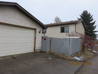 Photo 3: 3903 41 Avenue in Edmonton: Zone 29 House for sale : MLS®# E4156737