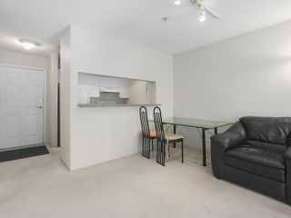 Photo 8: 406 3488 VANNESS Avenue in Vancouver: Collingwood VE Condo for sale (Vancouver East)  : MLS®# R2369973