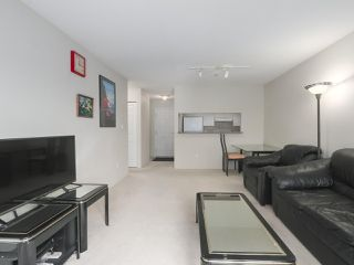Photo 12: 406 3488 VANNESS Avenue in Vancouver: Collingwood VE Condo for sale (Vancouver East)  : MLS®# R2369973
