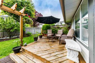 "Photo 3: 26 11580 BURNETT Street in Maple Ridge: East Central Townhouse for sale in ""Cedar Estates"" : MLS®# R2372410"