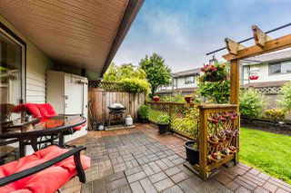 "Photo 4: 26 11580 BURNETT Street in Maple Ridge: East Central Townhouse for sale in ""Cedar Estates"" : MLS®# R2372410"