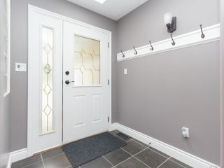 Photo 2: 6198 Thomson Terr in DUNCAN: Du East Duncan House for sale (Duncan)  : MLS®# 815095
