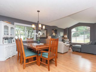Photo 8: 6198 Thomson Terr in DUNCAN: Du East Duncan House for sale (Duncan)  : MLS®# 815095