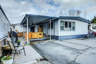 "Photo 1: 115 201 CAYER Street in Coquitlam: Maillardville Manufactured Home for sale in ""WILDWOOD PARK"" : MLS®# R2373363"