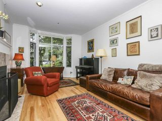 Photo 3: 2626 W 2ND Avenue in Vancouver: Kitsilano House 1/2 Duplex for sale (Vancouver West)  : MLS®# R2377448