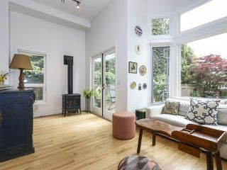 Photo 10: 2626 W 2ND Avenue in Vancouver: Kitsilano House 1/2 Duplex for sale (Vancouver West)  : MLS®# R2377448