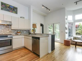 Photo 8: 2626 W 2ND Avenue in Vancouver: Kitsilano House 1/2 Duplex for sale (Vancouver West)  : MLS®# R2377448
