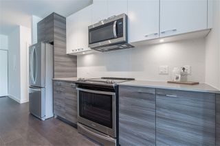"""Photo 7: 319 10581 140 Street in Surrey: Whalley Condo for sale in """"HQ Thrive"""" (North Surrey)  : MLS®# R2378394"""