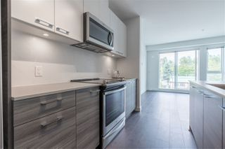 """Photo 4: 319 10581 140 Street in Surrey: Whalley Condo for sale in """"HQ Thrive"""" (North Surrey)  : MLS®# R2378394"""