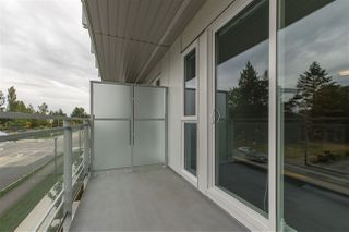 """Photo 8: 319 10581 140 Street in Surrey: Whalley Condo for sale in """"HQ Thrive"""" (North Surrey)  : MLS®# R2378394"""