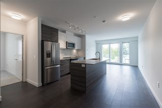 """Photo 3: 319 10581 140 Street in Surrey: Whalley Condo for sale in """"HQ Thrive"""" (North Surrey)  : MLS®# R2378394"""