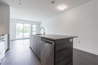 """Photo 6: 319 10581 140 Street in Surrey: Whalley Condo for sale in """"HQ Thrive"""" (North Surrey)  : MLS®# R2378394"""