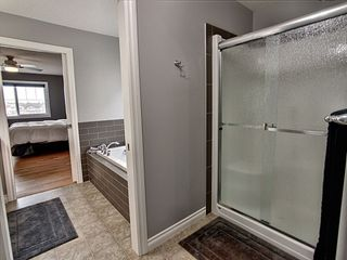 Photo 15: 827 Eagleson Link in Edmonton: Zone 57 House for sale : MLS®# E4163933