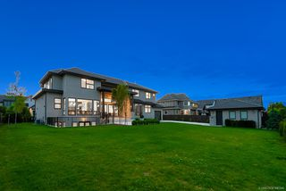 """Photo 19: 3396 164A Street in Surrey: Morgan Creek House for sale in """"WillsBrook at Morgan Creek"""" (South Surrey White Rock)  : MLS®# R2387270"""