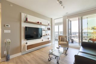 "Photo 4: 1701 1788 COLUMBIA Street in Vancouver: False Creek Condo for sale in ""EPIC AT WEST"" (Vancouver West)  : MLS®# R2396267"