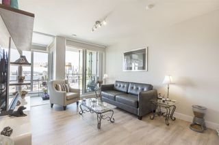 "Photo 5: 1701 1788 COLUMBIA Street in Vancouver: False Creek Condo for sale in ""EPIC AT WEST"" (Vancouver West)  : MLS®# R2396267"