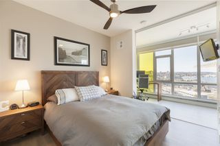 "Photo 9: 1701 1788 COLUMBIA Street in Vancouver: False Creek Condo for sale in ""EPIC AT WEST"" (Vancouver West)  : MLS®# R2396267"
