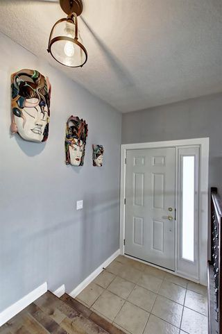Photo 5: 316 SILVER HILL Way NW in Calgary: Silver Springs Detached for sale : MLS®# C4265263