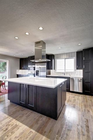 Photo 11: 316 SILVER HILL Way NW in Calgary: Silver Springs Detached for sale : MLS®# C4265263