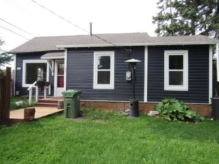 Photo 1: 23A Mission Ave. in St. Albert: House for rent