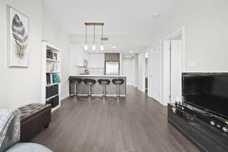 """Photo 5: 401 2008 ROSSER Avenue in Burnaby: Brentwood Park Condo for sale in """"SOLO DISTRICT - STRATUS"""" (Burnaby North)  : MLS®# R2422861"""