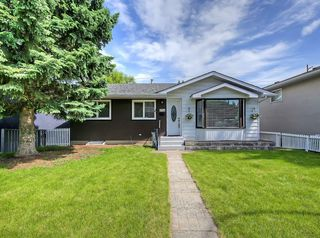 Main Photo: 4728 NIPAWIN Crescent NW in Calgary: North Haven Detached for sale : MLS®# C4303353