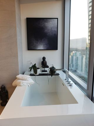 "Photo 19: 3402 1111 ALBERNI Street in Vancouver: West End VW Condo for sale in ""Shangri-La Live/Work"" (Vancouver West)  : MLS®# R2482149"