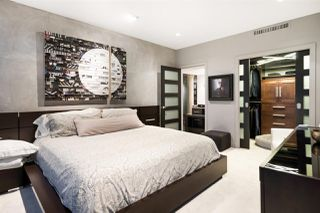 """Photo 15: 3402 1111 ALBERNI Street in Vancouver: West End VW Condo for sale in """"Shangri-La Live/Work"""" (Vancouver West)  : MLS®# R2482149"""