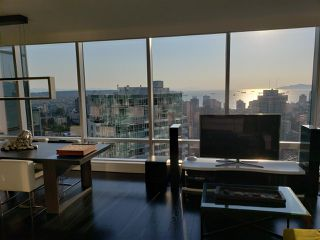 "Photo 2: 3402 1111 ALBERNI Street in Vancouver: West End VW Condo for sale in ""Shangri-La Live/Work"" (Vancouver West)  : MLS®# R2482149"