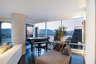 "Photo 11: 3402 1111 ALBERNI Street in Vancouver: West End VW Condo for sale in ""Shangri-La Live/Work"" (Vancouver West)  : MLS®# R2482149"