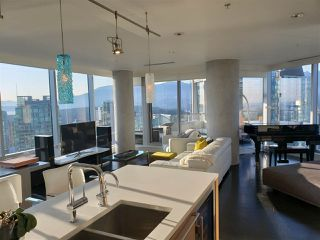 "Photo 3: 3402 1111 ALBERNI Street in Vancouver: West End VW Condo for sale in ""Shangri-La Live/Work"" (Vancouver West)  : MLS®# R2482149"