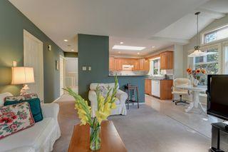 Photo 1: 6 3955 Oakwinds St in : SE Mt Doug Row/Townhouse for sale (Saanich East)  : MLS®# 851274