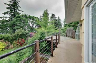 """Photo 1: 2702 CEDAR Drive in Surrey: Crescent Bch Ocean Pk. House for sale in """"Crescent Heights"""" (South Surrey White Rock)  : MLS®# R2518021"""
