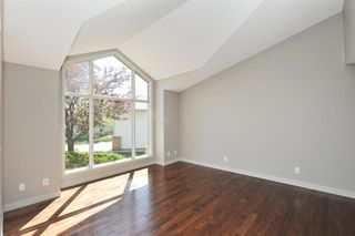 Photo 5: 315 Hawkdale Bay NW in Calgary: Hawkwood Detached for sale : MLS®# A1057091