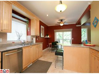Photo 4: 15887 102B Avenue in Surrey: Guildford House for sale (North Surrey)  : MLS®# F1111321