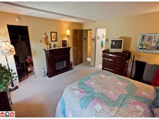 "Photo 8: 55 2303 CRANLEY Drive in White Rock: King George Corridor Manufactured Home for sale in ""SUNNYSIDE ESTATES"" (South Surrey White Rock)  : MLS®# F1125566"