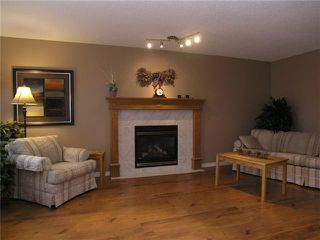 Photo 3: 39 MARTHA'S HAVEN Green NE in CALGARY: Martindale Residential Detached Single Family for sale (Calgary)  : MLS®# C3502434