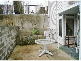 "Photo 13: 47 16325 82ND Avenue in Surrey: Fleetwood Tynehead Townhouse for sale in ""Hampton Woods"" : MLS®# F1400498"
