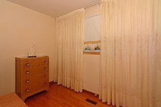 Photo 4: 113 Hickorynut Drive in Toronto: Pleasant View House (Bungalow-Raised) for sale (Toronto C15)  : MLS®# C3037730