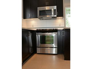 """Photo 3: 17 2183 PRAIRIE Avenue in Port Coquitlam: Glenwood PQ Townhouse for sale in """"VILLAGE GREEN"""" : MLS®# V1094746"""