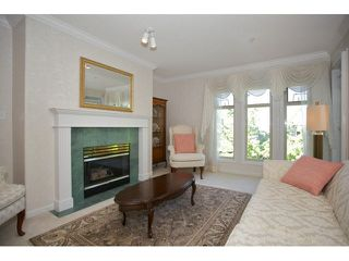 "Photo 5: 401 15340 19A Avenue in Surrey: King George Corridor Condo for sale in ""Stratford Gardens"" (South Surrey White Rock)  : MLS®# F1448318"
