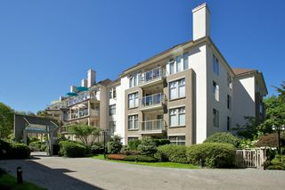 "Photo 41: 401 15340 19A Avenue in Surrey: King George Corridor Condo for sale in ""Stratford Gardens"" (South Surrey White Rock)  : MLS®# F1448318"