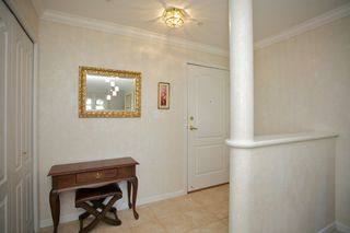 "Photo 2: 401 15340 19A Avenue in Surrey: King George Corridor Condo for sale in ""Stratford Gardens"" (South Surrey White Rock)  : MLS®# F1448318"