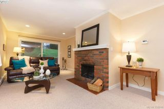 Photo 3: 9 7751 East Saanich Rd in SAANICHTON: CS Saanichton Row/Townhouse for sale (Central Saanich)  : MLS®# 718315