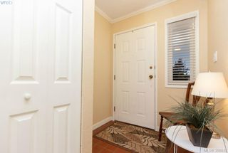 Photo 2: 9 7751 East Saanich Rd in SAANICHTON: CS Saanichton Row/Townhouse for sale (Central Saanich)  : MLS®# 718315