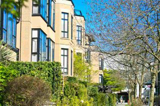 "Photo 1: 455 2175 SALAL Drive in Vancouver: Kitsilano Condo for sale in ""THE SAVONA"" (Vancouver West)  : MLS®# R2053207"