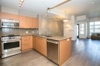 "Photo 3: 2711 SPRING Street in Port Moody: Port Moody Centre Townhouse for sale in ""THE STATION"" : MLS®# R2068490"