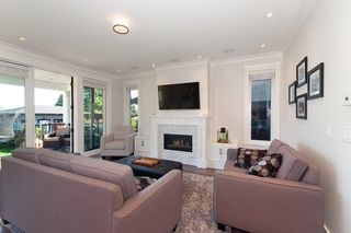 Photo 2: 347 E 14TH Street in North Vancouver: Central Lonsdale House for sale : MLS®# R2077604